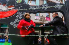 Die Merkel-Raute durfte beim Sujet der Zigüner-Clique nicht fehlen. Foto: Kristoff Meller Foto: mek