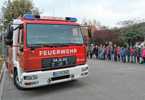 Erfolgreiche Übung: Als die Feuerwehr ankam, war die Evakuierung der Grundschule Tannenkirch längst abgeschlossen. Foto: zVg