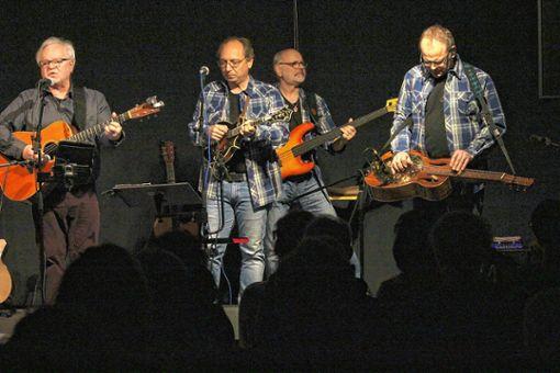 """Einen charmant-entspannten wie unterhaltsamen Abend boten die """"Country Pickers"""" mit Bluegrass im Maulburger Dorfstübli.     Foto: Gerd Lustig Foto: Markgräfler Tagblatt"""