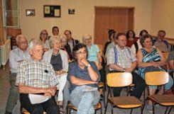 Nach dem Vortrag kam es zu einer anregenden Diskussion zwischen Referent und Publikum.         Fotos: Christoph Schennen Foto: Markgräfler Tagblatt