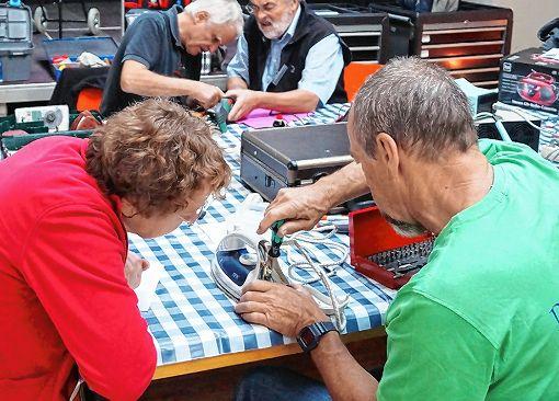 Das Repair-Café ist weiterhin stark gefragt.     Foto: Daniela Buch Foto: Weiler Zeitung