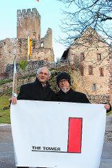 Uwe Claassen (links) und Aktionskünstler Klaus Kipfmüller Foto: Gabriele Hauger Foto: Die Oberbadische