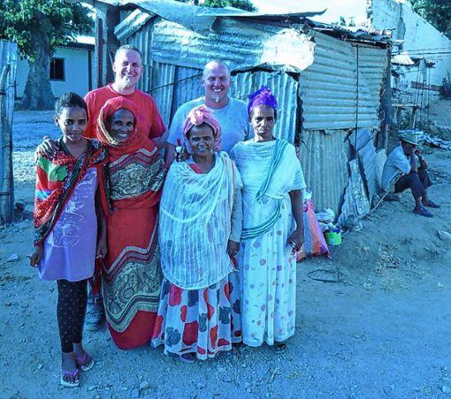 Tim und Florian Porsche bei ihrem Besuch in Eritrea   Foto: zVg Foto: Weiler Zeitung