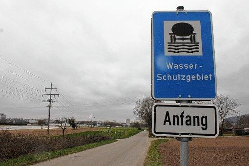 Die SPD sorgt sich, dass Roche die mit belastetem Erdreich beladenen Lastwagen vom Aushub der Keßlergrube durch das Wyhlener Wasserschutzgebiet fahren lassen will.  Foto: Tim Nagengast Foto: Die Oberbadische
