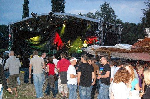 """Das mehrtägige Festival """"Krach am Bach"""" zog jedes Jahr viele musikbegeisterte Fans an den Wollbach. In diesem Jahr fällt die Veranstaltung zum ersten Mal aus.   Foto: Archiv Foto: Weiler Zeitung"""