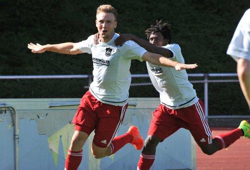 So jubelte Nils Mayer über seinen 3:2-Siegtreffer in Laufenburg.  Foto: UlI Nodler Foto: Die Oberbadische