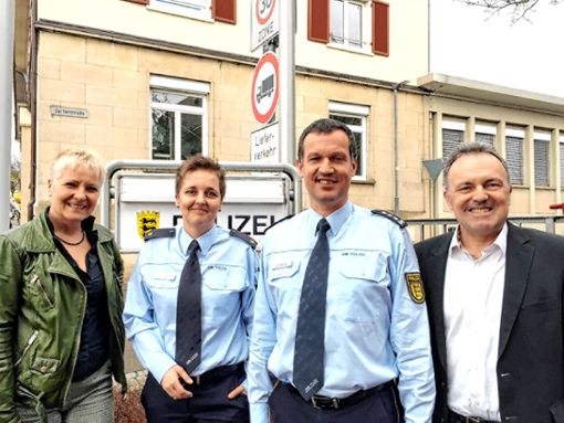 Besuch von Grünen-Politikern im Polizeirevier (v.l.): Petra Häffner, Kathrin Mutter, Dietmar Goeritz und Josha Frey   Foto: zVg Foto: Weiler Zeitung