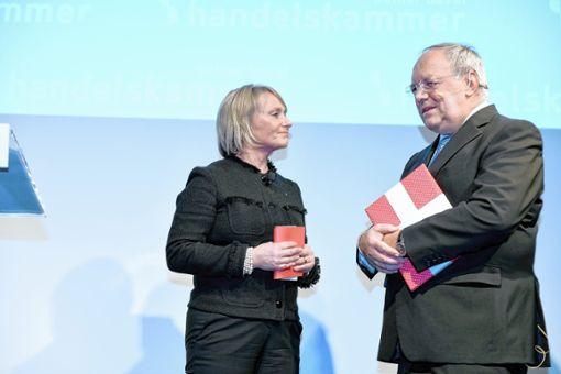 Handelskammer-Präsidentin Elisabeth Schneider-Schneiter begrüßte den früheren Bundesrat Johann Schneider-Ammann. Foto: zVg