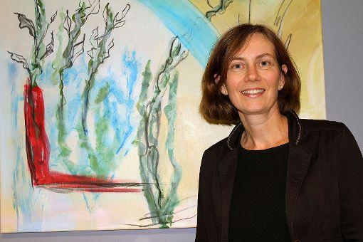 Isabell Schäfer-Neudeck vor einem ihrer Werke   Foto: Nele Höfler Foto: Die Oberbadische