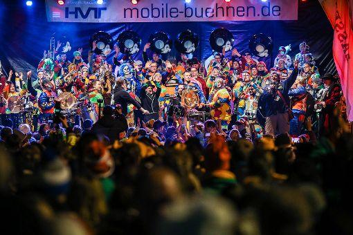 Abendkonzert auf der großen Bühne am Alten Markt mit den Guggemusiken Tschäddärä und Schlossbärghüüler. Foto: Kristoff Meller  Foto: Kristoff Meller