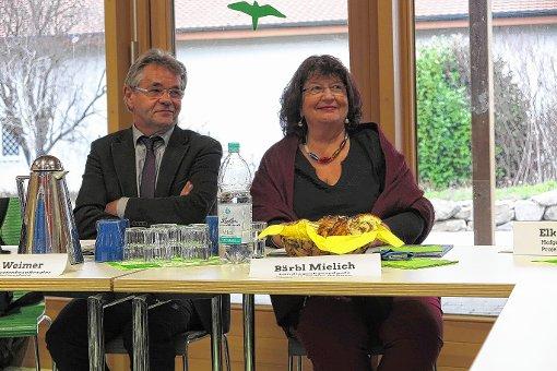 Setzen sich landespolitisch für die Umsetzung der UN-Behindertenkonvention ein: Gerd Weimer und Bärbl Mielich   Foto: dp Foto: Weiler Zeitung
