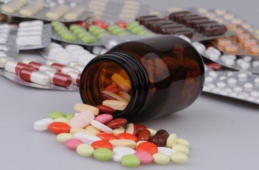Rund die Hälfte der im Internet gehandelten Medikamente sind gefälscht, teilte nun  die Deutsche Gesellschaft für Innere Medizin (DGIM) in Wiesbaden mit. Foto: dpa