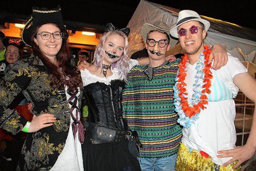 Hauptsache verkleidet – die Wahl der Kostüme blieb den Gästen selbst überlassen. Foto: Rolf Rombach
