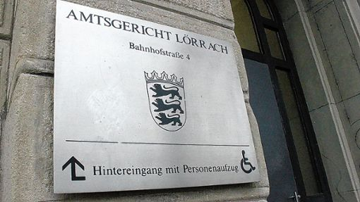 Ein 45-Jähriger und eine 78 Jahre alte Frau aus Rheinfelden stehen in Lörrach vor Gericht.   Archivfoto: Ulf Körbs Foto: Die Oberbadische