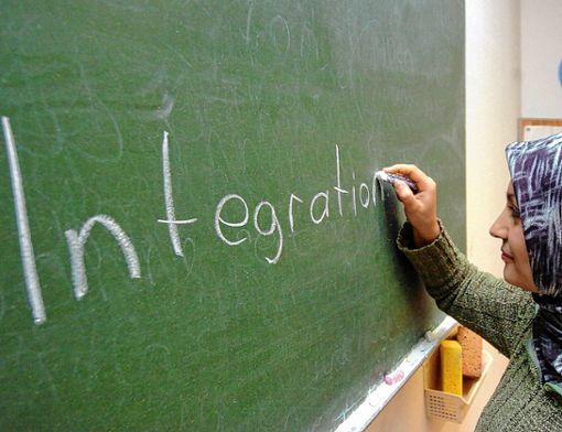 Der Kreis will  bei Migranten mit schlechter Bleibeperspektive den Spracherwerb weiter fördern, um die Asylsuchenden fit für den Arbeitsmarkt zu machen. Foto: Archiv