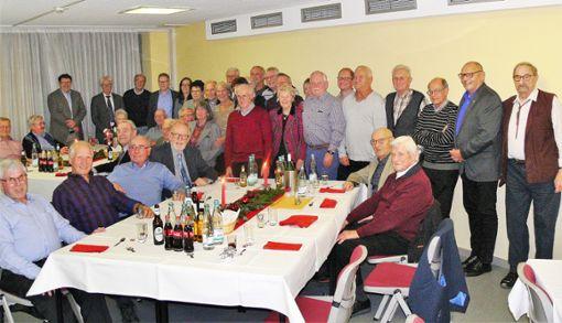 Zahlreiche ehemalige Stadträte und Kreisräte kamen zum vorweihnachtlichen Treffen. Foto: sc