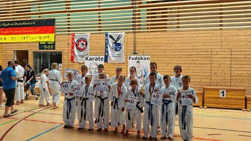 Sehr erfolgreich waren die Karatekas bei den Deutschen Meisterschaftebn.    Foto: zVk Foto: Markgräfler Tagblatt