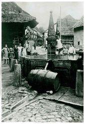 Der Kerngassbrunnen im Jahr 1918  Fotos: zVg Foto: Weiler Zeitung