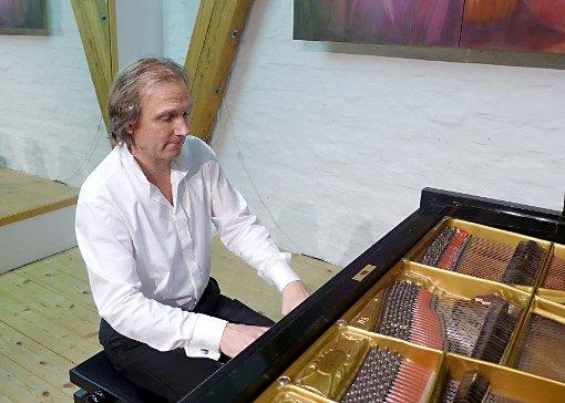 Stephan Hohlweg überzeugte mit brillanter Technik und zwingenden Interpretationen.  Foto: Willi Vogl Foto: Weiler Zeitung