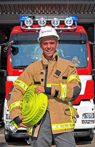 """""""Top Azubi"""" Lars Ebner engagiert sich auch in der  Feuerwehr.  Foto: zVg/Roland Siegwart Foto: Weiler Zeitung"""