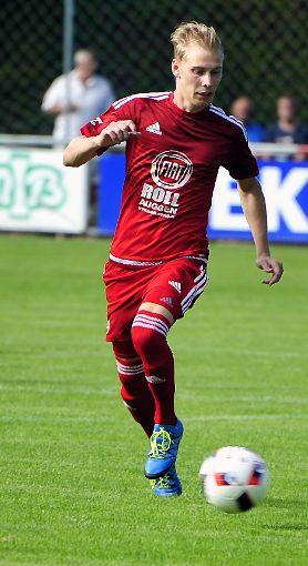 David Held trifft für den FC Auggen.   Foto: Mirko Bähr Foto: Die Oberbadische
