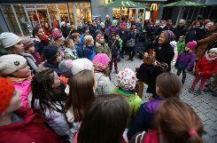 Die fünfte Klasse der Waldorfschule begeisterte das Publikum mit Weihnachtsliedern. Foto: Die Oberbadische