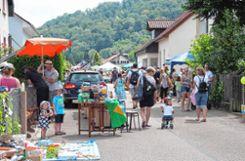 Gut besucht war der Dorfflohmarkt.   Fotos: Anja Bertsch Foto: Markgräfler Tagblatt