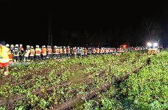 Rund 200 Feuerwehrleute waren am Sonntagabend zwischen Schopfheim und Maulburg im Einsatz.   Foto: zVg Foto: Markgräfler Tagblatt