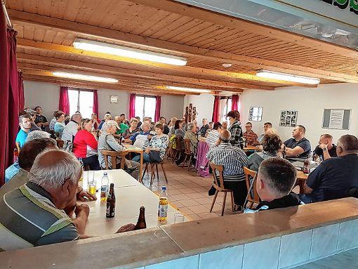 Kassiererin Swetlana Ganz gab den zahlreich erschienenen Mitgliedern den Kassenbericht bekannt.  Foto: zVg Foto: Markgräfler Tagblatt