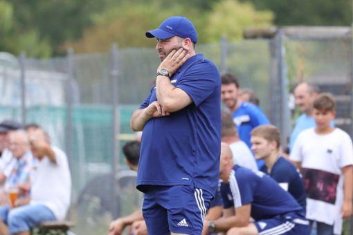 Hauingens Trainer Mick peilt mit seiner Mannschaft die ersten beiden Plätze an.    Foto: Grant Hubbs Foto: Die Oberbadische
