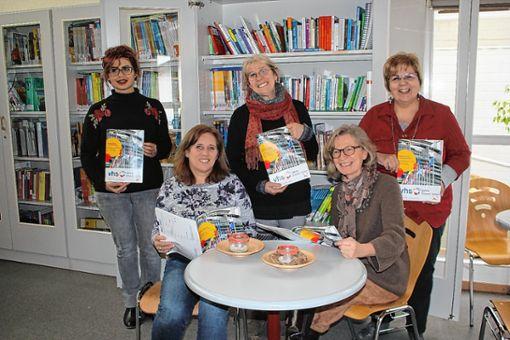 """""""Frauen-Power"""" ist in der Volkshochschule Rheinfelden angesagt. Der einzige Mann im Führungsteam Antonius Latsch-Gulde (Berufliche Bildung) fehlte gestern beim Pressegespräch überr das kommende Frühjahrssemester. Foto: Gerd Lustig"""