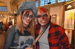 Piratenbraut im Zombie-Look Foto: Veronika Zettler