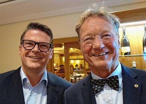 Präsidentenwechsel bei den Schliengener Lions: Veit Bürkle (r.) folgt auf Karsten Pabst.      Foto: zVg Foto: Weiler Zeitung