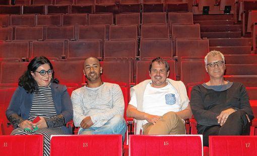 Eléonora Rossi, Mentor Shalijani, Eric Bintz und Markus Muffler (v.l.) arbeiten enger  zusammen.   Foto: Dorothee Philipp Foto: Die Oberbadische