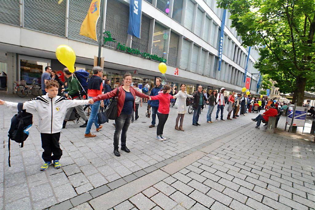 Menschenkette Gegen Rassismus