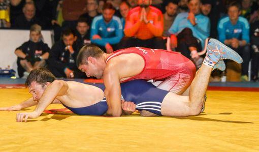 Weltklassemann Ivo Angelov (oben) dürfte morgen auch im Rückkampf eine feste Größe im Adelhausener Kader sein. Foto: Grant Hubbs