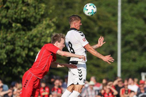 Impressionen des Freundschaftsspiels zwischen dem FV Lörrach-Brombach und dem SC Freiburg. Fotos: Hubbs/Bähr Foto: Bähr