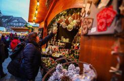 Lörrachs Weihnachtsmarkt bietet jede Menge Anregungen für Geschenkideen zum Fest. Foto: Meller