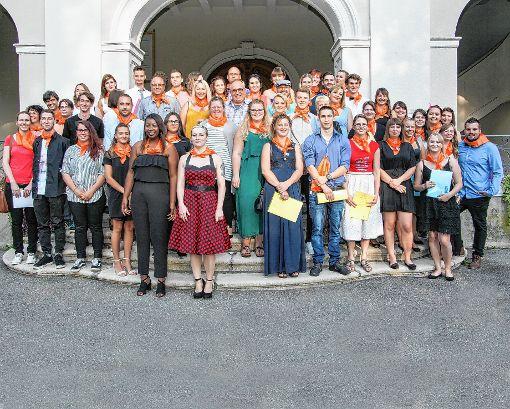 56 Absolventen der Theresia-Scherer-Schule durften sich über ihre Zeugnisse freuen.  Foto: zVg Foto: Die Oberbadische