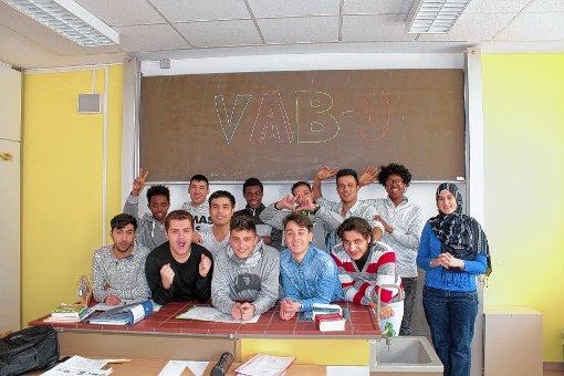 """Für junge Flüchtlinge aus aller Herren Länder gibt es in der Gewerbeschule  eine besondere Klasse namens """"VAB-O"""".   Foto: zVg Foto: Markgräfler Tagblatt"""