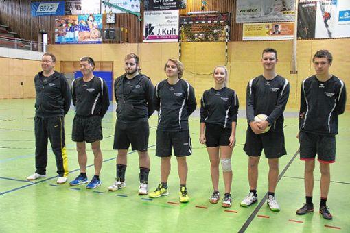 Die Mannschaft des TV Weil II mit: (v.l.) Ralf Brammann, Manni Kagel, Jonas Heuberger, Marc Günther, Martina Dede, Julian Rihm und Freddy Leitherer. Foto: zVg