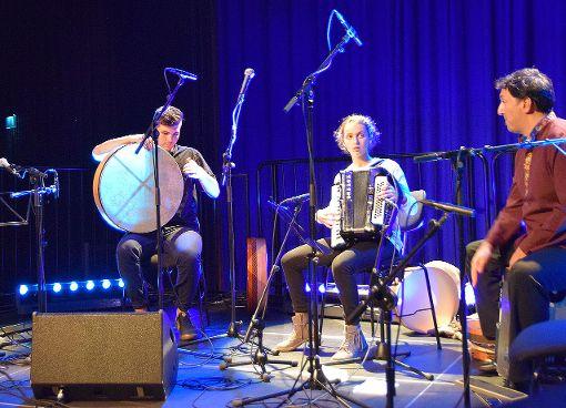 Yasar (l.), Malika und Murat Coskun    Foto: Beatrice Ehrlich Foto: Die Oberbadische
