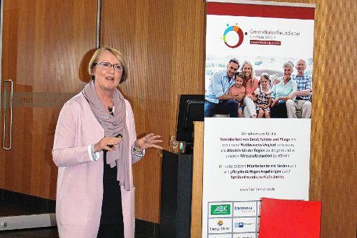 Referentin Kirsten Frohnert gab ihren Zuhörern Denkanstöße zur Vereinbarkeit von Familie und Beruf.   Foto: zVg Foto: Die Oberbadische