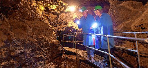 Die Tschamberhöhle soll auch weiterhin als touristische Attraktion Rheinfeldens für Besucher zugänglich sein. Demnächst soll unter der Federführung von Gabriele Zissel (rechts) eine IG Tschamberhöhle ins Leben gerufen werden.   Foto: zVg Foto: Die Oberbadische