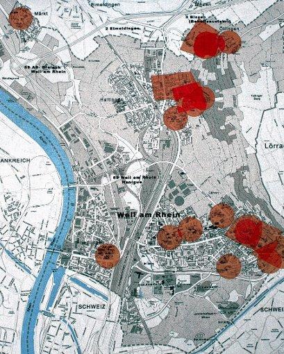 Im Bereich der rot markierten Flächen dürfen an Silvester aus Sicherheitsgründen keine Raketen und Böller gezündet werden.               Foto: repro/Daniela Buch Foto: Weiler Zeitung