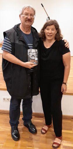 """""""Ein Buch des Mutes und der Solidarität"""", sagt Gudrun Schemel, Geschäftsführerin der Caritas Lörrach       Foto: NinaRicca Foto: Die Oberbadische"""