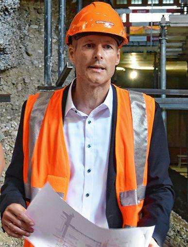 Marc Brunkhorst, Gesamtprojektleiter, zeigt sich zuversichtlich, dass die Arbeiten am Westflügel des Bahnhofs Basel SBB Ende 2020 abgeschlossen sein werden.     Fotos: Michael Werndorff/SBB Foto: Die Oberbadische