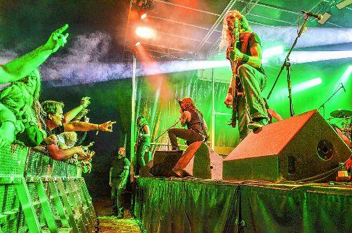 """Die Auftritte der Metalbands beim Festival """"Baden in Blut"""" ließen keine Wünsche der zahlreichen Fans harter Klänge offen.   Foto: Martina Proprenter Foto: Weiler Zeitung"""