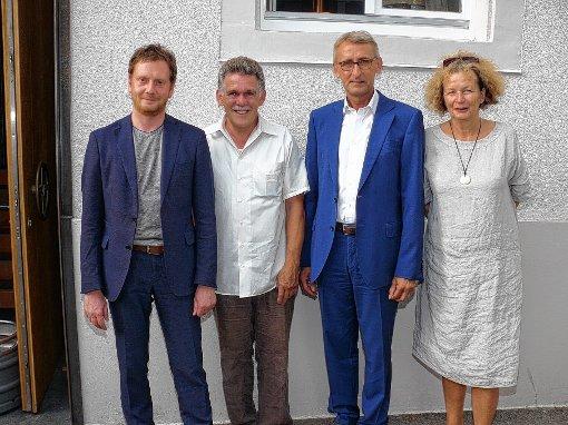 Michael Kretschmer (l.)  und  Armin Schuster (3.v.l) mit  Xaver Glattacker und Petra Höfler   Foto: Gottfried Driesch Foto: Die Oberbadische