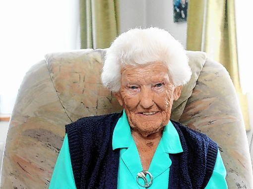 Emma Gräßlin aus Wollbach kann heute ihren 100. Geburtstag feiern.    Foto: Reinhard Cremer Foto: Weiler Zeitung